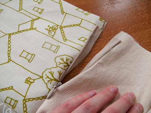 making cushions - zip fitted, ends need to be closed off | by birds & trees