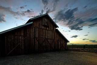 Barn with setting clouds | by ongopt50