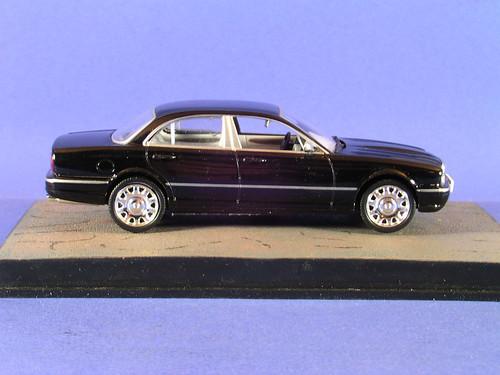 les voitures de james bond 007 daimler super eight qu flickr. Black Bedroom Furniture Sets. Home Design Ideas