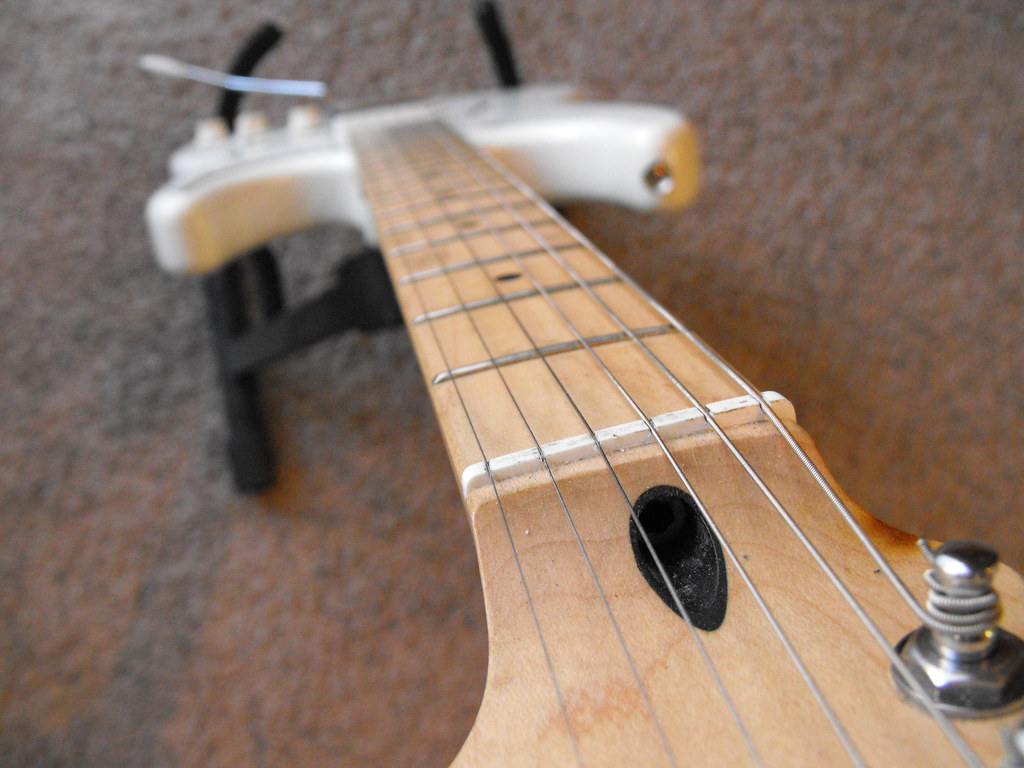 Fender Stratocaster Neck >> Squier Deluxe guitar plastic nut | I have decided to ...