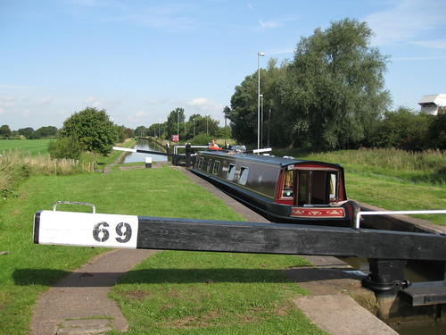 Lock 69 on the Trent and Mersey Canal | by David Jones