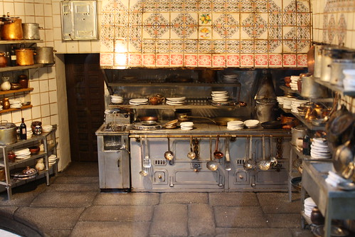 Miniatura de la cocina de casa bot n madrid for Casa botin madrid