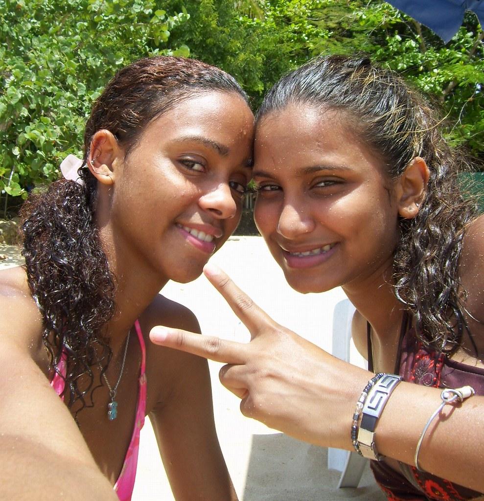 100_1462a | Cute Girls on Sosua Beach near Puerto Plata in