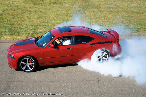 2006 dodge charger srt8 burnout b is for burnout walter felix flickr. Black Bedroom Furniture Sets. Home Design Ideas