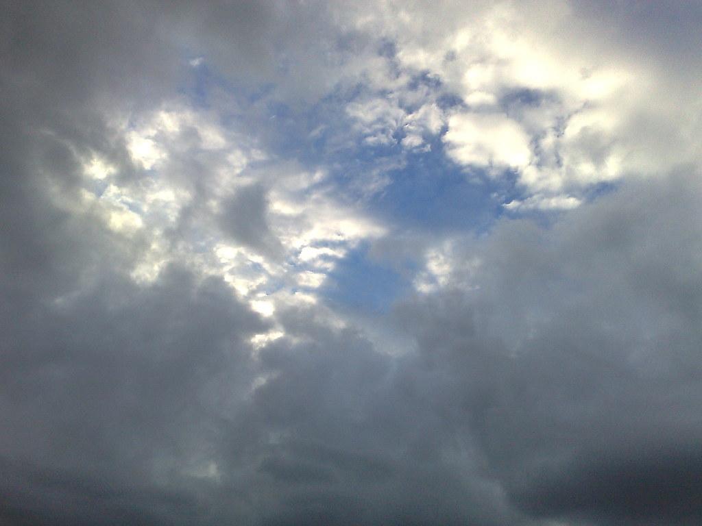 Fenda na tormenta cu azul acima das nuvens cinzentas bel fenda na tormenta by fernvs thecheapjerseys Choice Image
