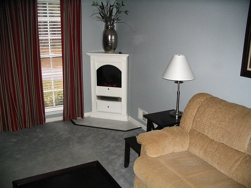 Dimplex Chelsea White Free Standing Corner Fireplace Dcf