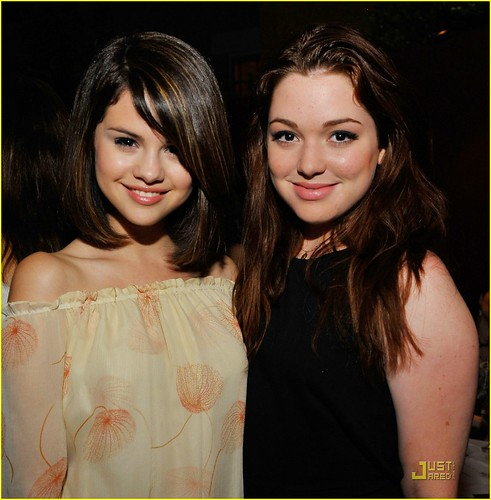 Dating for sex: jennifer stone and selena gomez now is dating