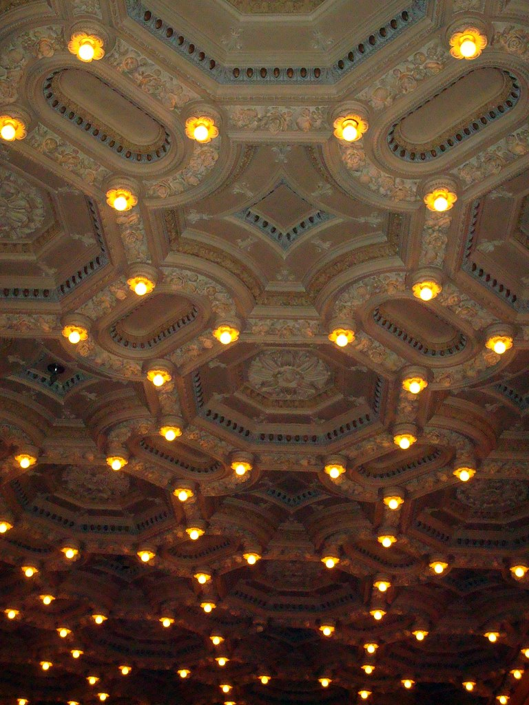 Corinthian Hall - Ceiling | The ornate plaster ceiling of ...