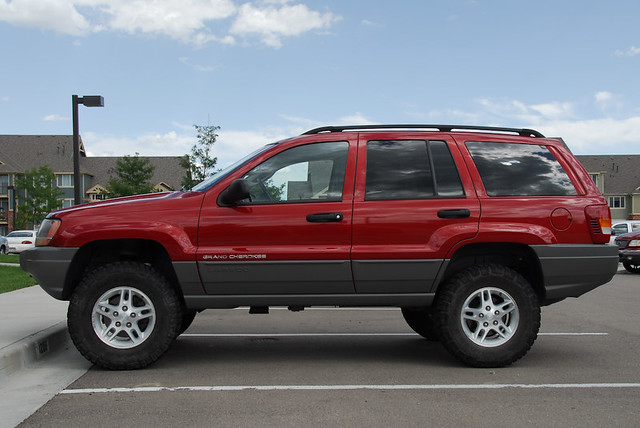 """Lifted 2004 Jeep Grand Cherokee >> WJ with 3"""" IRO LIFT and 265-75-16's 