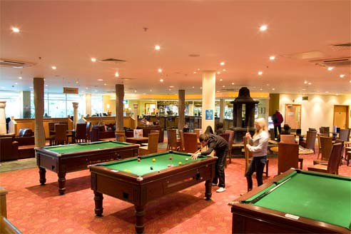 Pool tables at center parcs elveden forest teenagers - Elveden forest centre parcs swimming pool ...