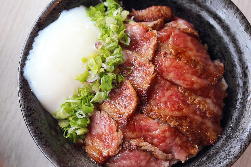 kinsa-sushi-kagoshima-wagyu-don