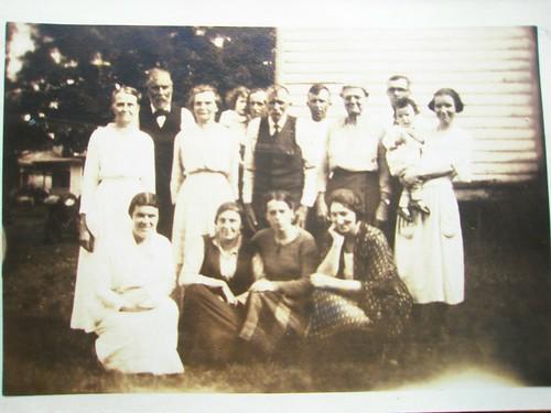P7180109 | Back row: Martha Hart Bushnell, DeForest Bushnell… | Flickr
