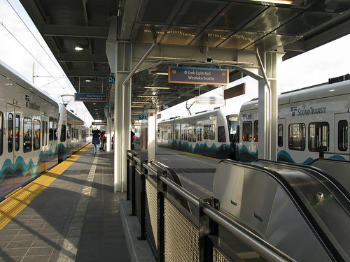 SeaTac/Airport Station Platform | by Oran Viriyincy