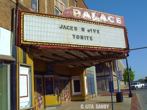 Defunct palace theater jackson five tonight on marquise for Jackson 5 mural gary indiana