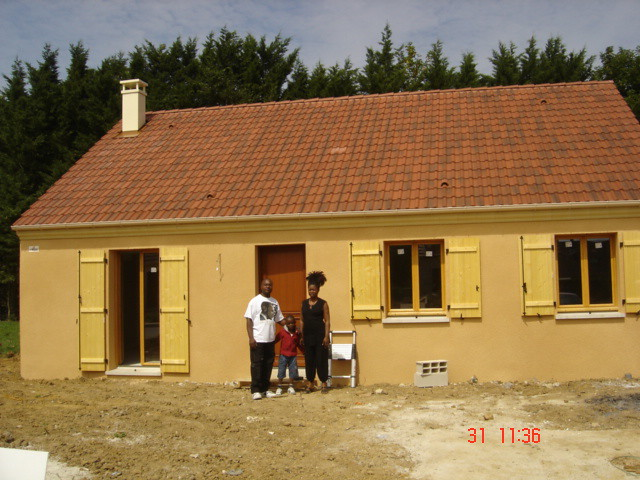 Maisons pierre livre une maison individuelle mod le roman for Maison pierre modele noctuelle