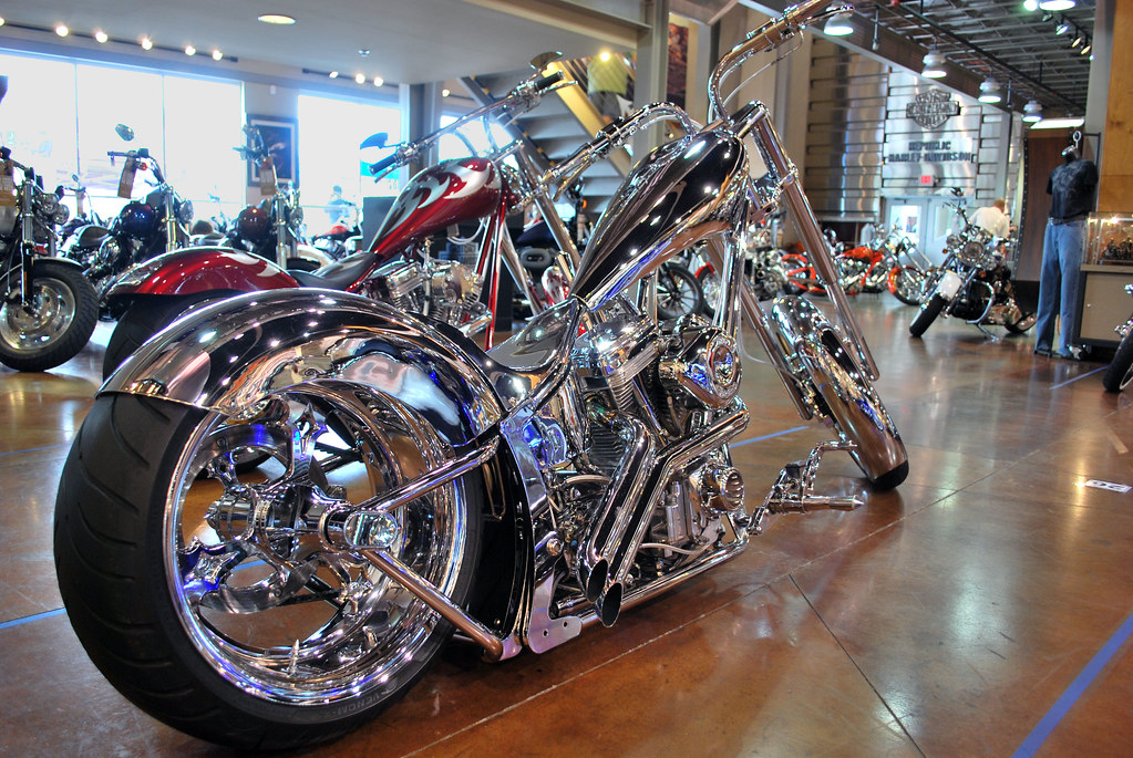 republic harley custom bike show this bike was. Black Bedroom Furniture Sets. Home Design Ideas