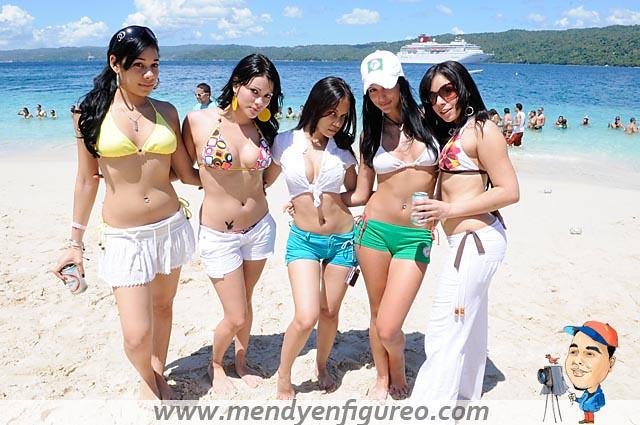 beautiful naked latinas in tiny thong