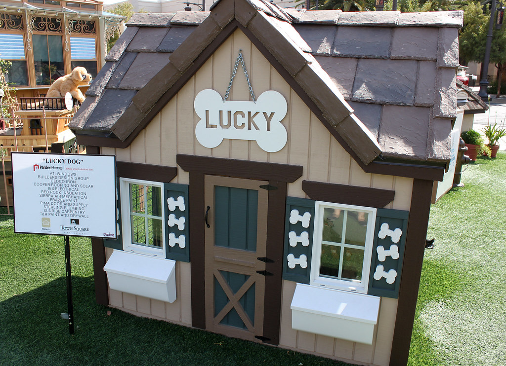 Lucky Dog Town Square Las Vegas Nv How Lucky Can On Flickr