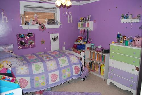 bedroom 3 9x9 belongs to 8 year old girl hence the brig