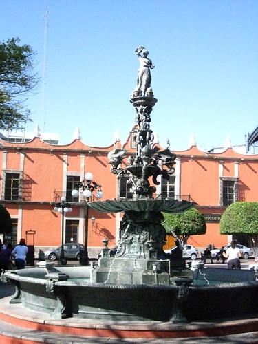 Santiago de quer taro jard n zenea fuente diosa hebe for Jardin zenea queretaro