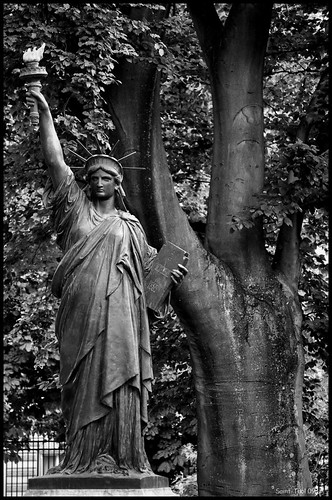 Statue de la libert jardins du luxembourg saint thol - Jardin du luxembourg statue de la liberte ...