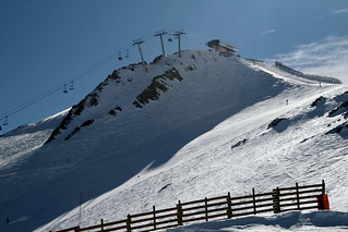 Valle Nevado: - Looking too the top of the Andes | by A u s s i e P o m m