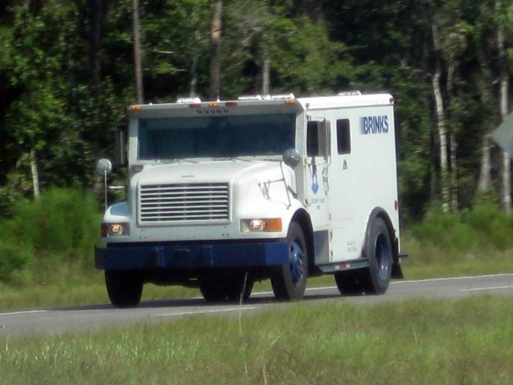 brinks truck i figured i should get a pic of an armored tr flickr. Black Bedroom Furniture Sets. Home Design Ideas