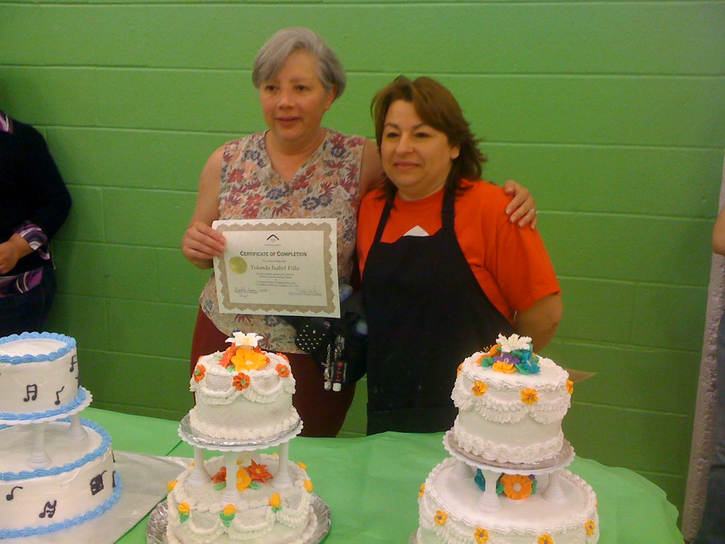 Cake Decorating Classes Cleveland : Cake classes at Cleveland-Ripley Students complete their ...