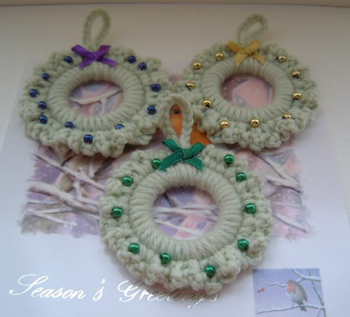 Pale Green Crochet Christmas Wreaths | A new set made in pal ...