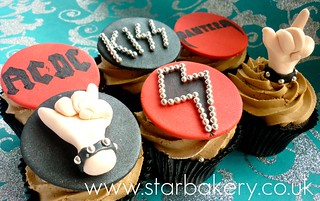 Rock bands/metal cupcakes | by Star Bakery (Liana)