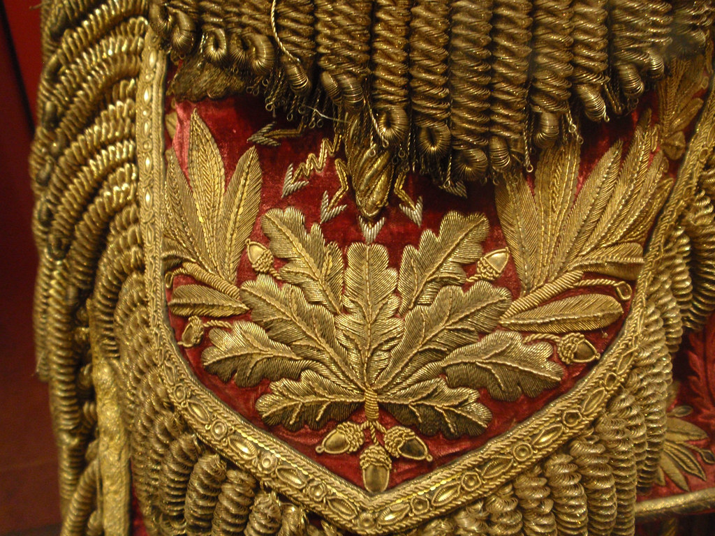 Gold oak leaf embroidery on epaulette french uniform