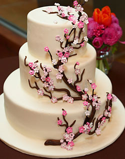 Cake Design Pic : Wedding Cake with Cherry Blossom Accent I ve been ...