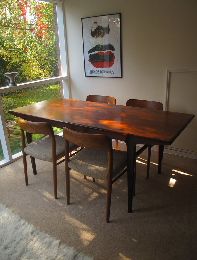 Heals Dining Table With Niels Moller 75 Chairs