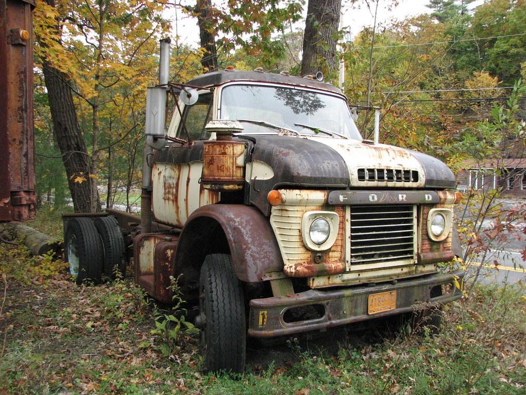 AN OLD FORD TRUCK OCT 2009 | Seen near Woodstock NY. | Flickr