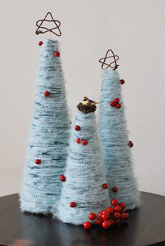 Yarn Christmas trees | by Pretty Ditty