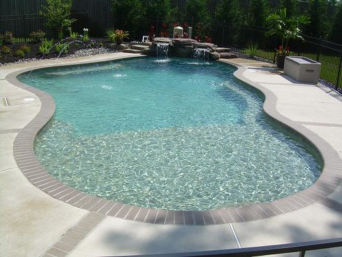 Odenton pool with tanning ledge elite pools flickr for Pool design with tanning ledge