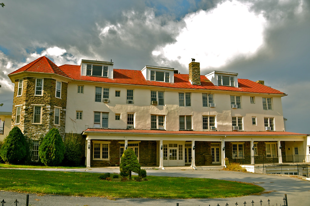 Hilltop house hotel in harpers ferry west virginia for Hilltop house plans