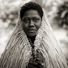 A skirt as an umbrella - Bougainville Papua New Guinea | by Eric Lafforgue