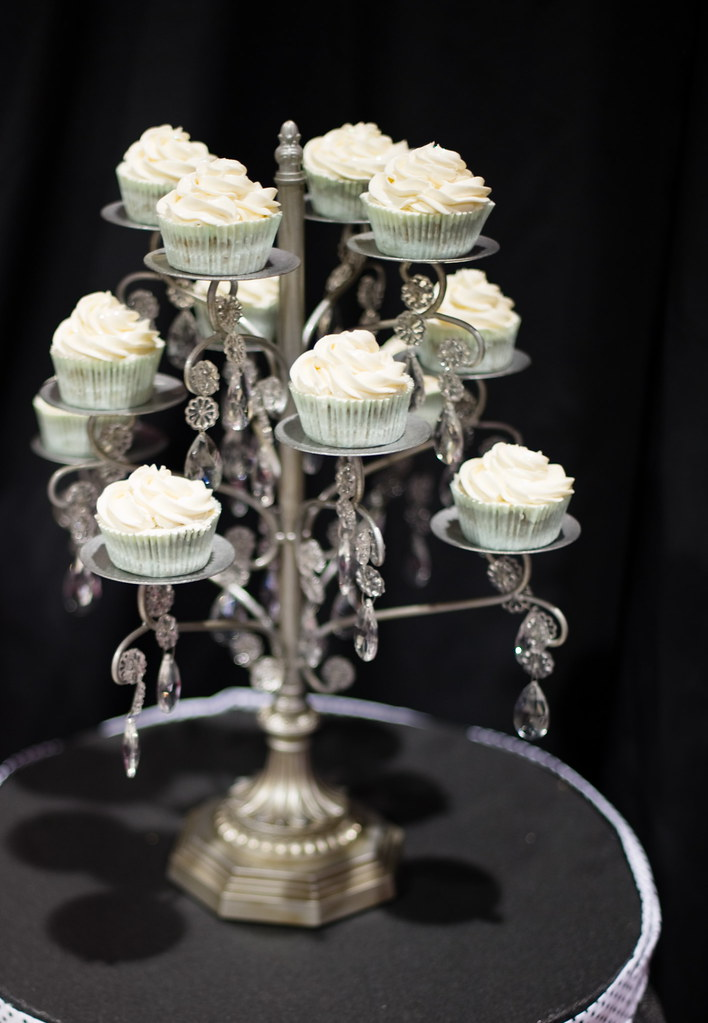 Amazing Chandelier Cupcake Stand!   Gimme Some Sugar ...