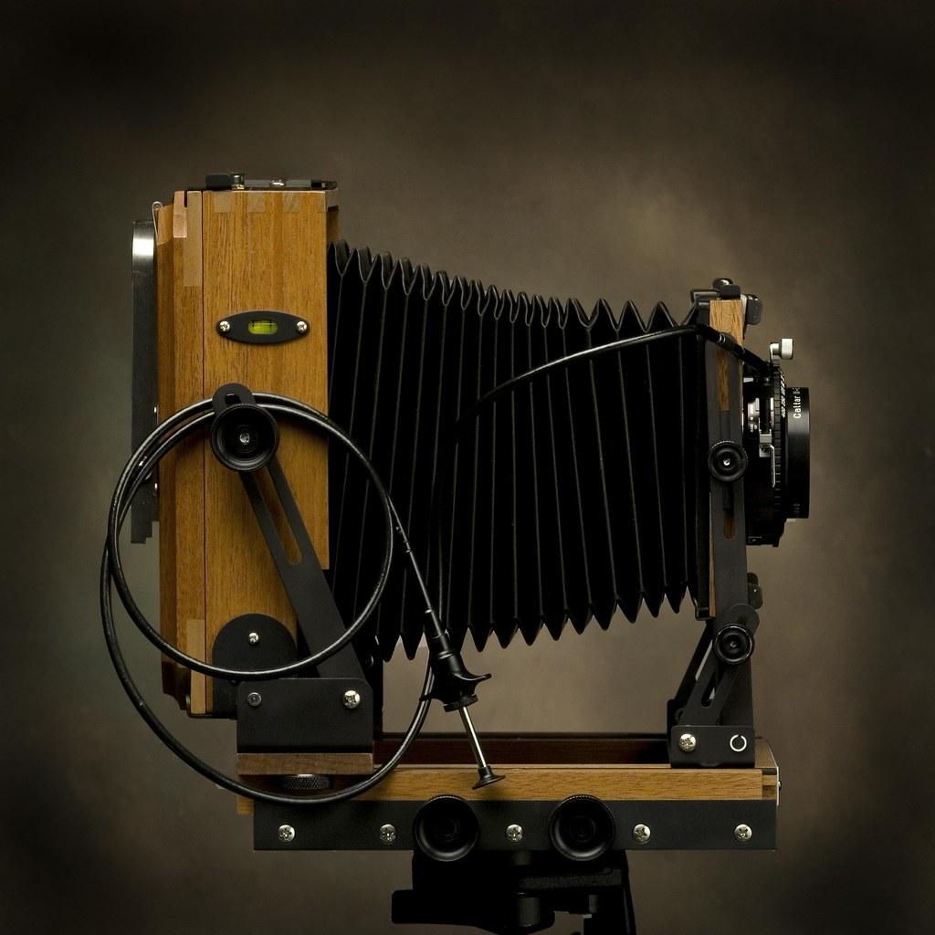 4X5 Zone VI Rosewood Field Camera | 4x5 film - studio shot o… | Flickr