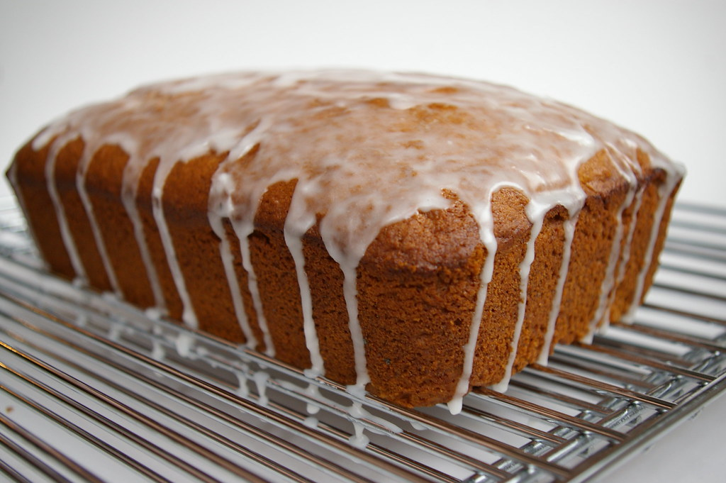 Applesauce Loaf Cake With Raisins