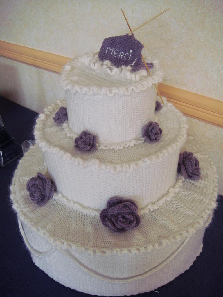 Crocheted cake