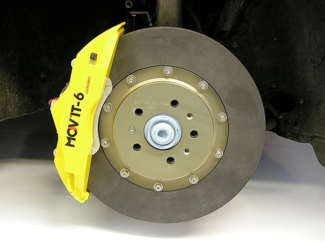 mov 39 it ceramic brakes audi rs4 b7 spoteyes from crossover asia flickr. Black Bedroom Furniture Sets. Home Design Ideas