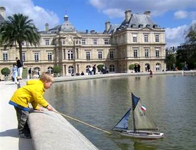 The boat pond at jardin de luxembourg paris france flickr for Buvette des marionnettes du jardin du luxembourg