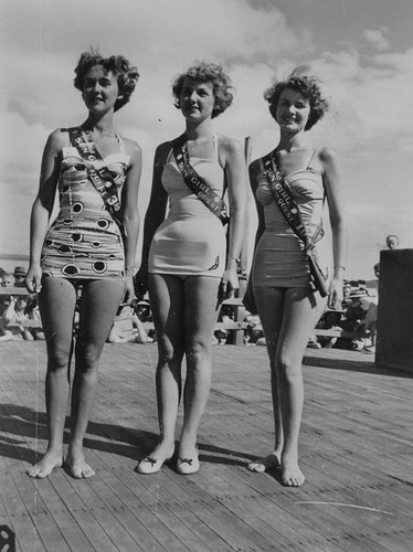 beach girls Queensland