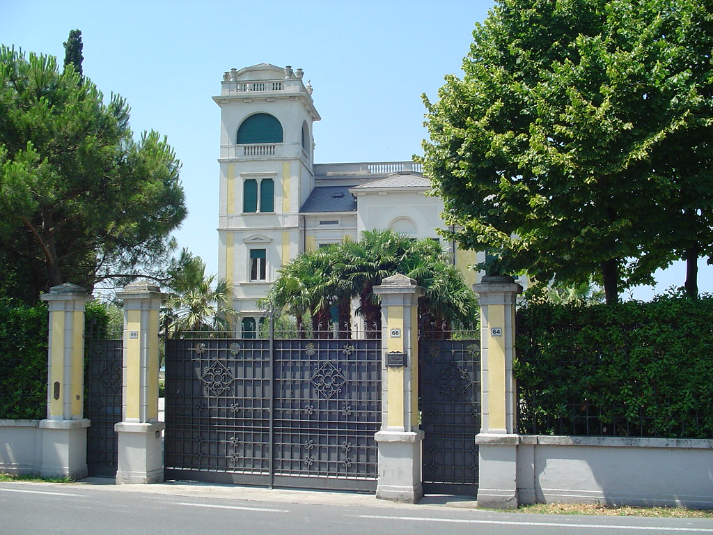Michael Schumachers House Sermione