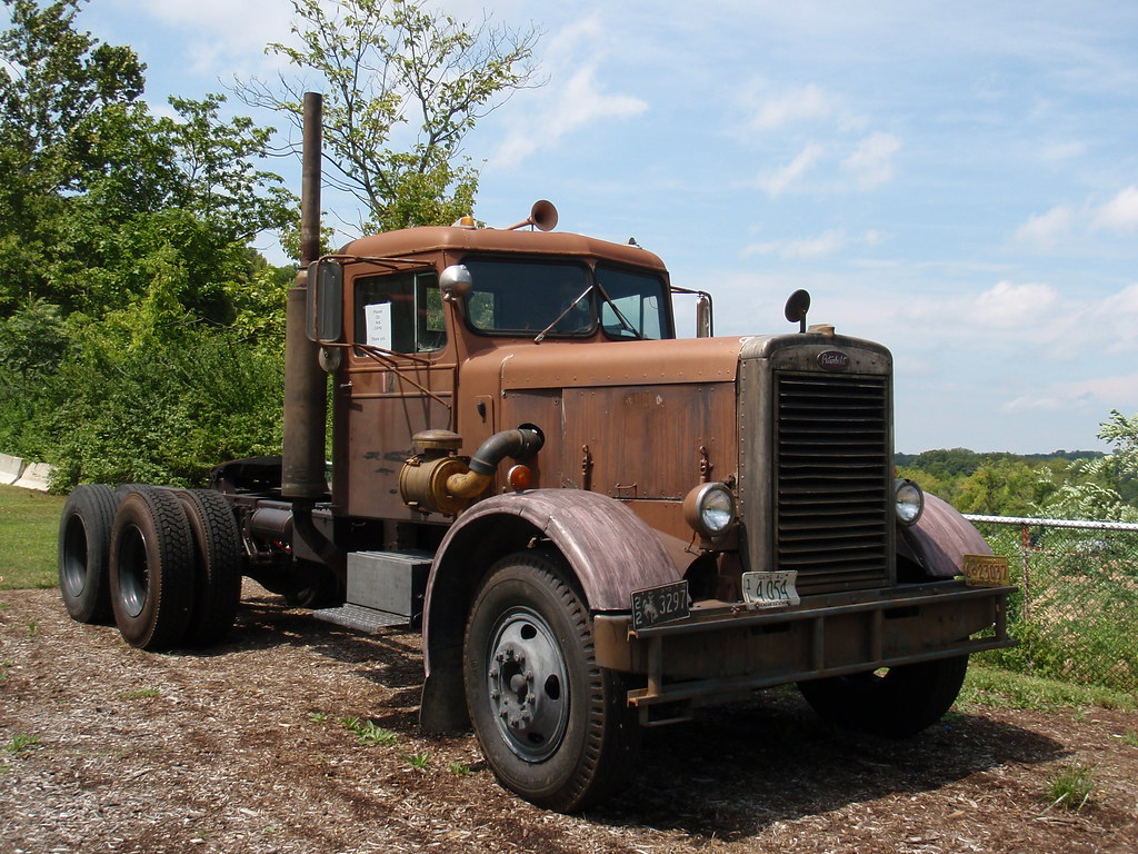 1960 peterbilt 281 from the movie duel at museum of transp for Movie photos for sale