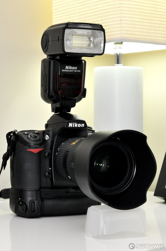 Nikon D700 With Mb D10 Battery Grip 24 70mm F 2 8g And Sb