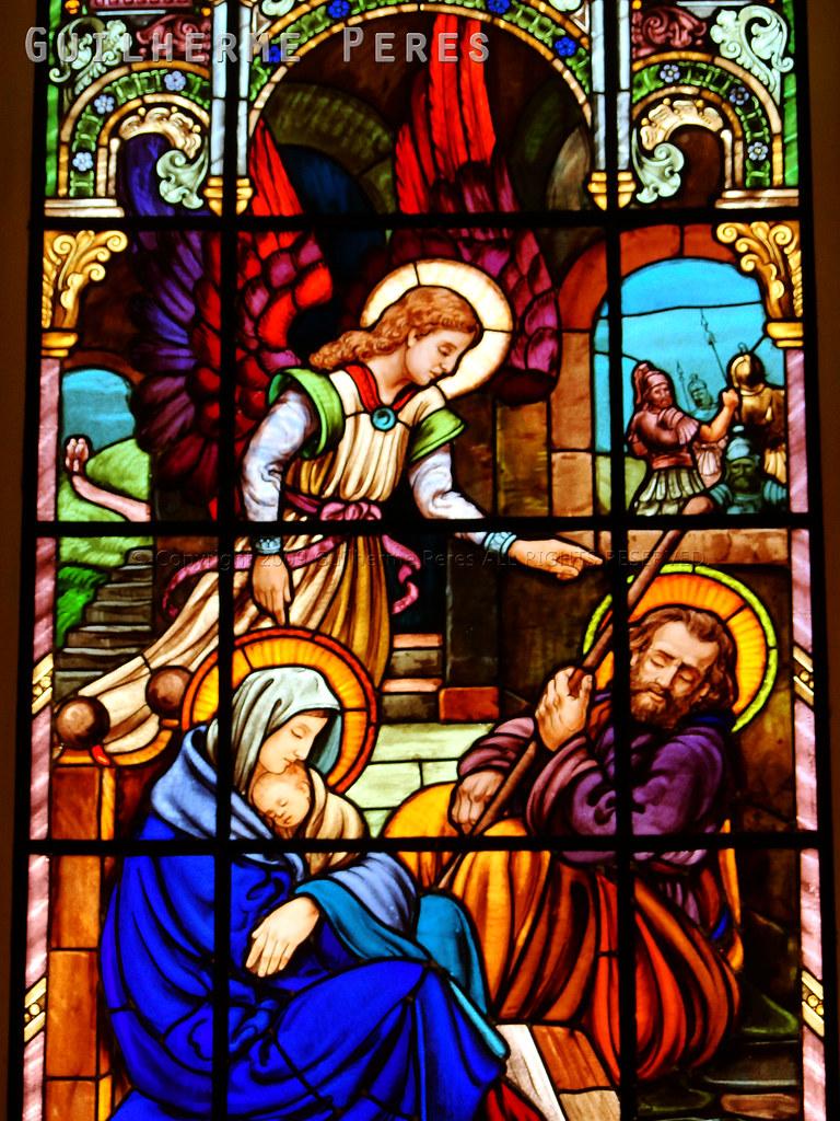 Resultado de imagem para vitrais sagrada familia