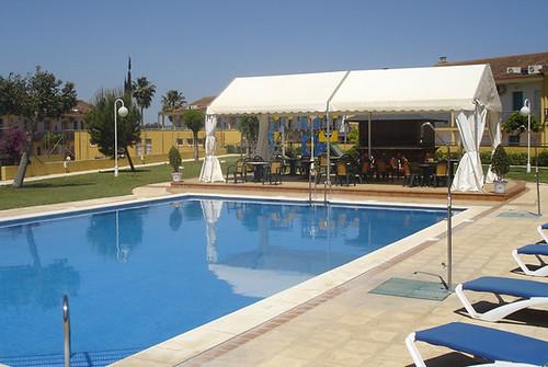 barbacoa piscina hotel jm jard n de la reina hotel jm